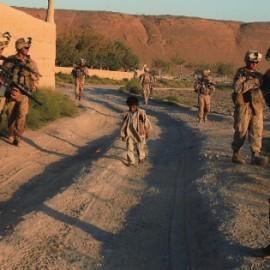 美军空袭喀布尔致一家9人丧生(美军人多少)