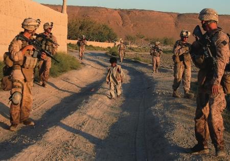 美军空袭喀布尔致一家9人丧生(美国对伊朗空袭) 每日热文 第1张